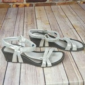 Teva1009494 Ventura Silver Metallic sandals size 7